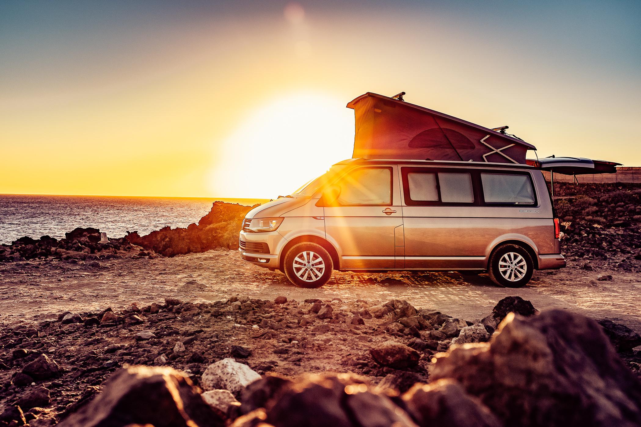Bulli, Vintage van, Vanlife, VW Bus, Camping, Florian Kresse, Photography, Sundowner, Sonnenuntergang, Sonnenaufgang, Fotografie, Lifestyle