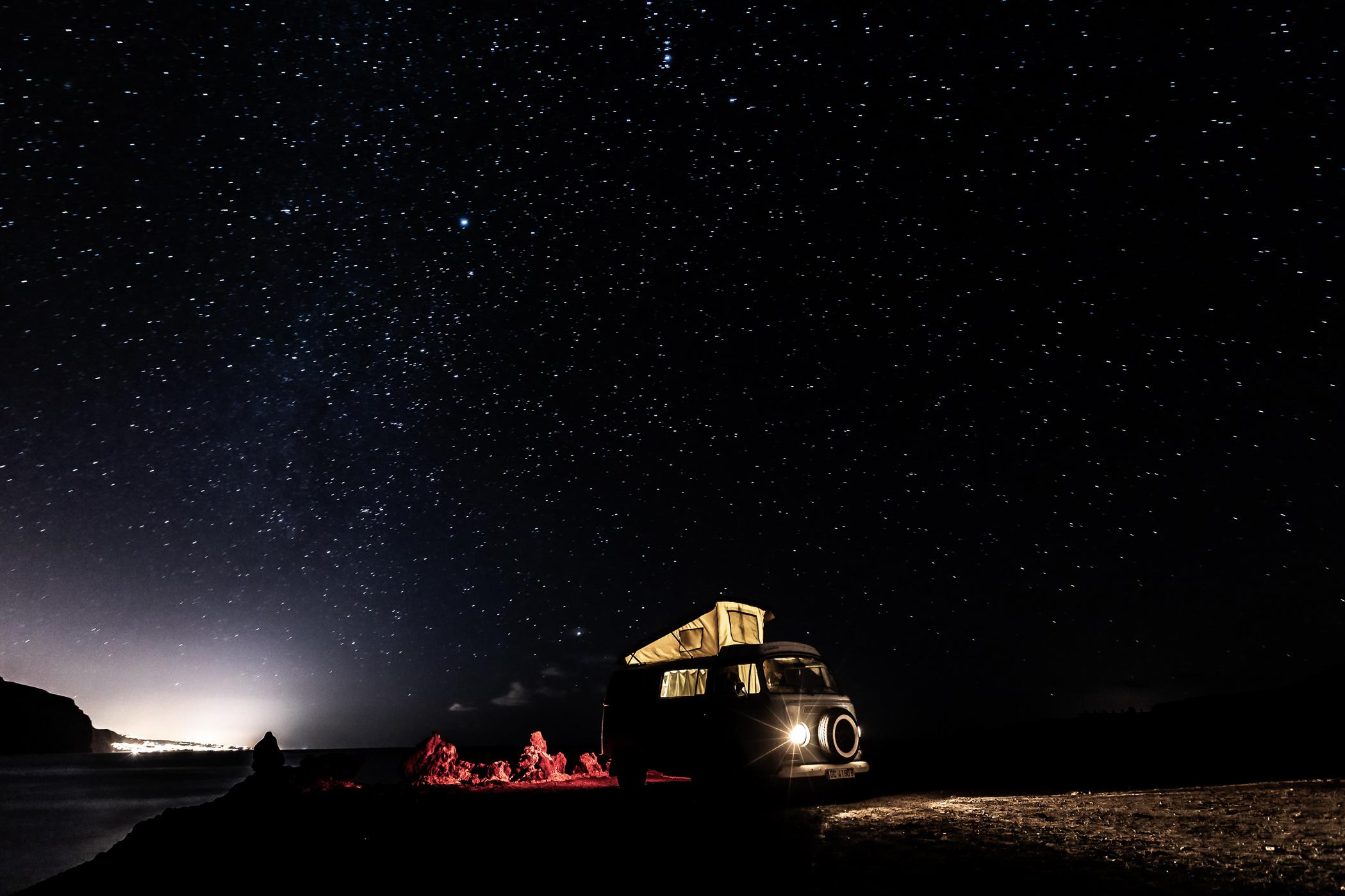 Bulli, Vintage van, Vanlife, VW T2a, Camping, Florian Kresse, Photography, Stars, Milkyway, Sternenhimmel, Fotografie, Lifestyle